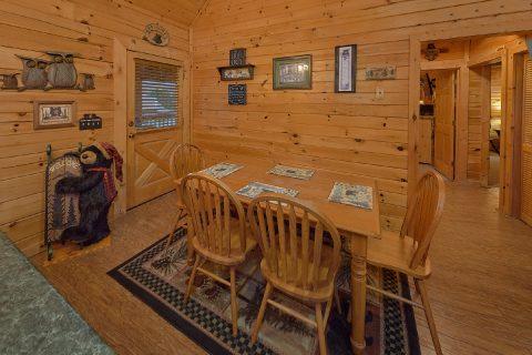 Dining Room for 6 in 2 bedroom cabin - Wander Back Inn