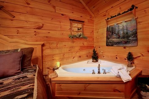 Premium Cabin with Honey Moon Indoor Jacuzzi Tub - Whispering Pond
