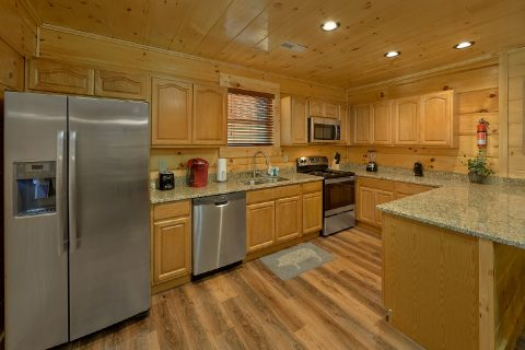 4 Bedroom cabin with Luxurious Kitchen - Whistling Dixie