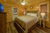 4 bedroom cabin with private hot tub on deck