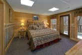 6 Bedroom cabin with 3 Private King Bedrooms