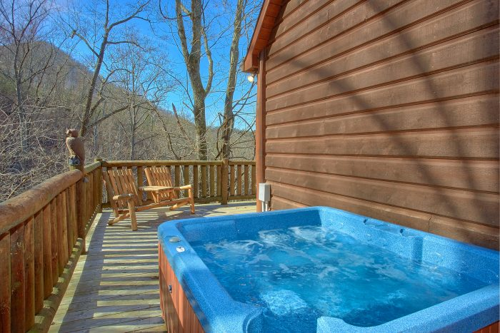Premium 6 Bedroom Cabin with Hot Tub on Deck - Wilderness Lodge