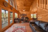 5 bedroom cabin with sleeper sofa and internet