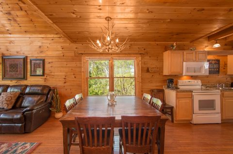 Luxury cabin with Dining room for 10 - Wilderness Lodge