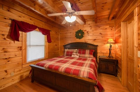 5 Bedroom cabin with Master Suite on main floor - Wilderness Lodge