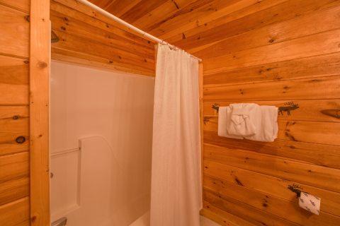 5 Bedroom cabin with 5 Bathrooms - Wilderness Lodge