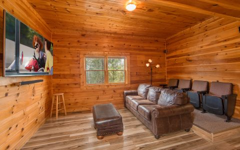 Luxury 5 bedroom cabin with Theater Room - Wilderness Lodge
