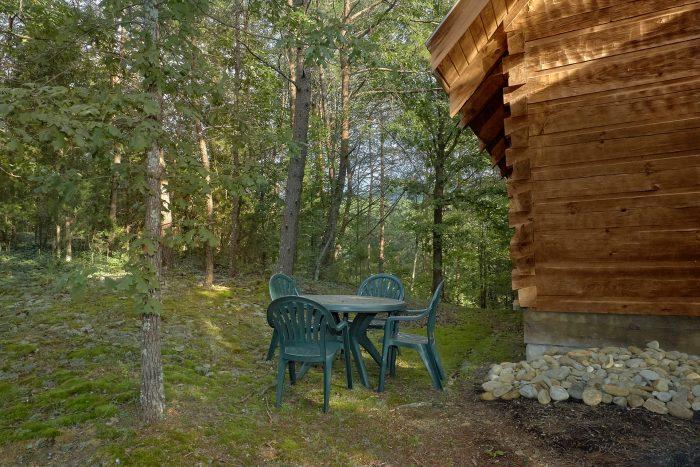1 Bedroom Cabin in Pigeon Forge - Wildflower Haven
