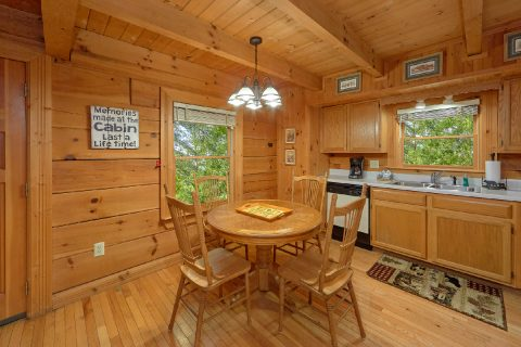 Honeymoon Cabin with Full Kitchen - Wildflower Haven
