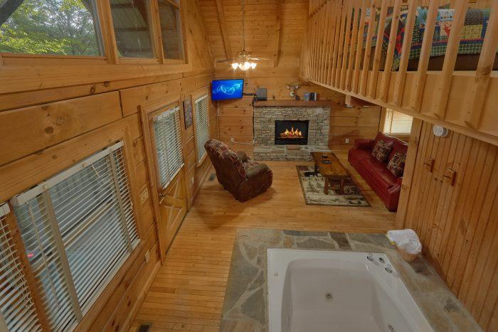 Honeymoon Cabin with Master Suite - Wildflower Haven
