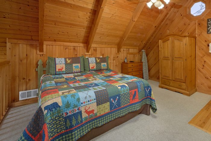 Honeymoon Cabin with 1 Bedroom and Jacuzzi Tub - Wildflower Haven