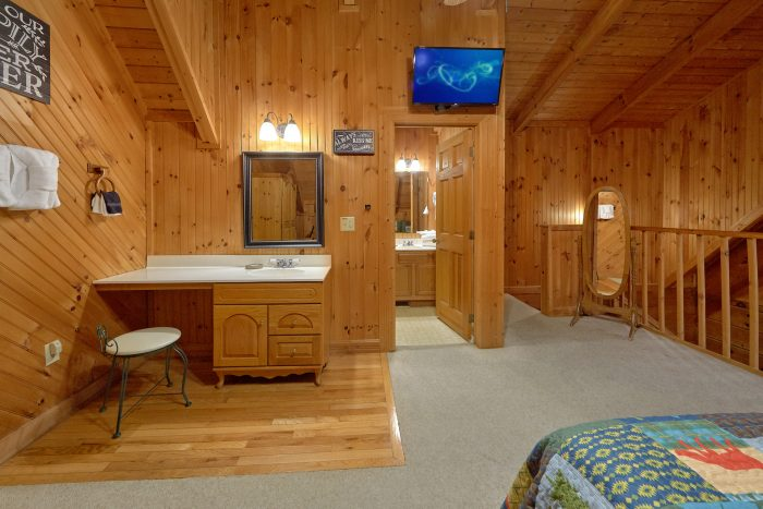 Honeymoon Cabin with Cozy Hot Tub on deck - Wildflower Haven