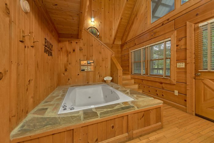 Rustic Honeymoon with Jacuzzi Tub - Wildflower Haven