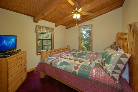 3 Bedroom Cabin with King Beds Sleeps 10 - Wolves Den