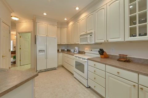 2 Bedroom with Fully Equipped Kitchen Sleeps 6 - Wow! What A View