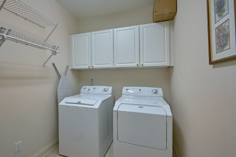 2 Bedroom with Full Size Washer and Dryer - Wow! What A View